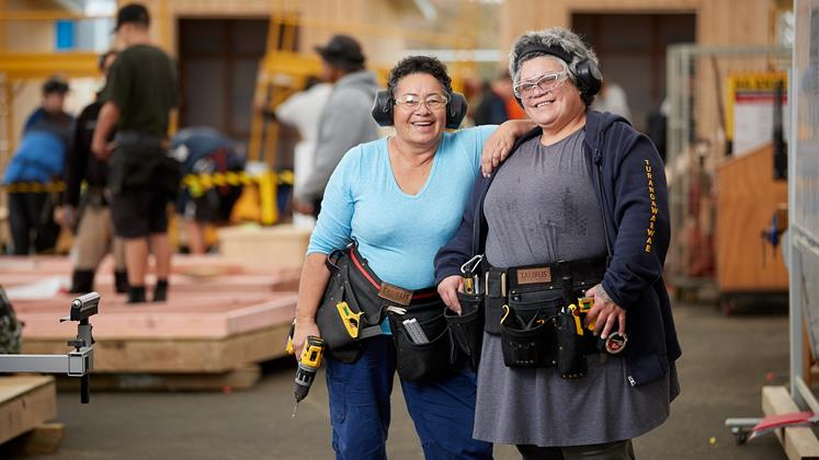Two Maori Aunties Are Taking Carpentry Class To New Levels