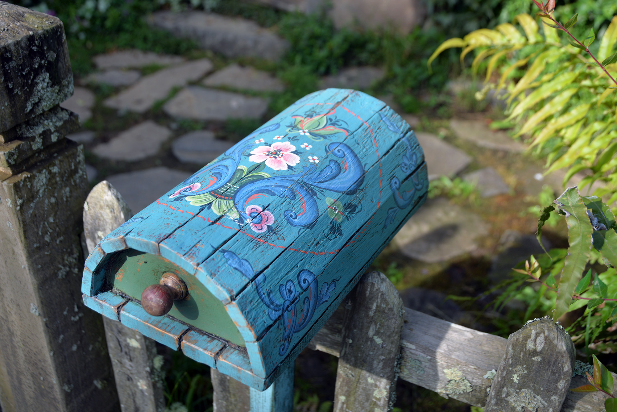 A mailbox painted by Ruth